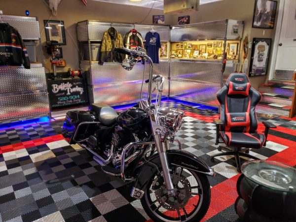 Harley road king in a garage with Free-Flow